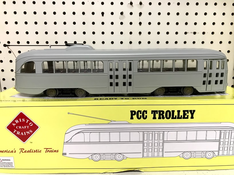 Aristocraft 23300 PCC Trolley Undecorated