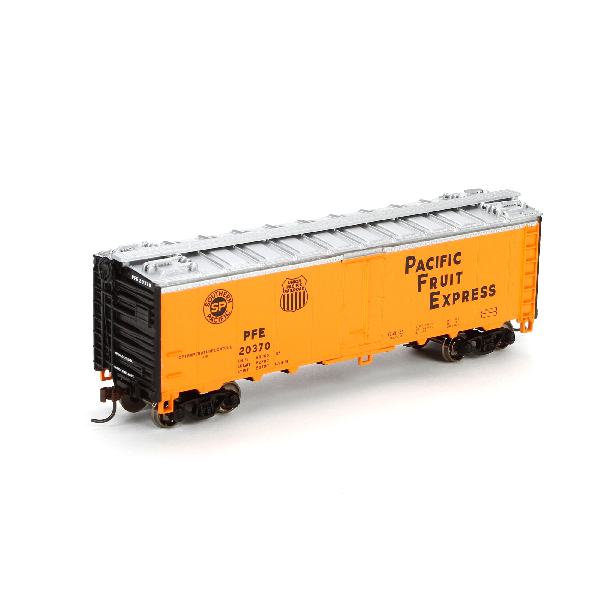 HO RTR 40' Steel Reefer, PFE #20370