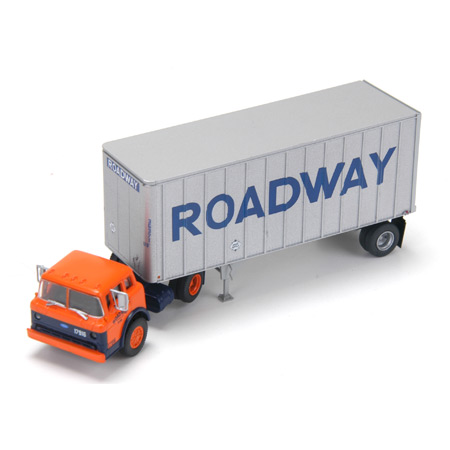 HO RTR Ford C w/28' Exterior Post Trailer, Roadway