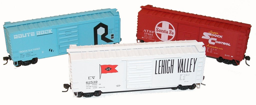 HO #8067 40' PS-1 Steel Boxcars 3 pack