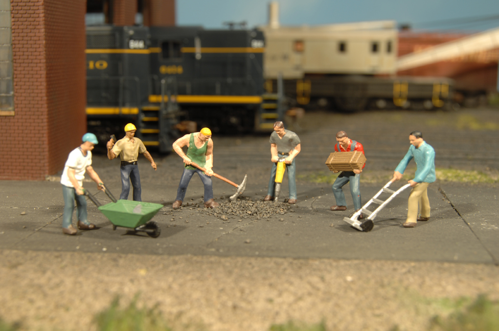 HO Scale Figures : Star Hobby, Model Trains, Slot Cars and More!