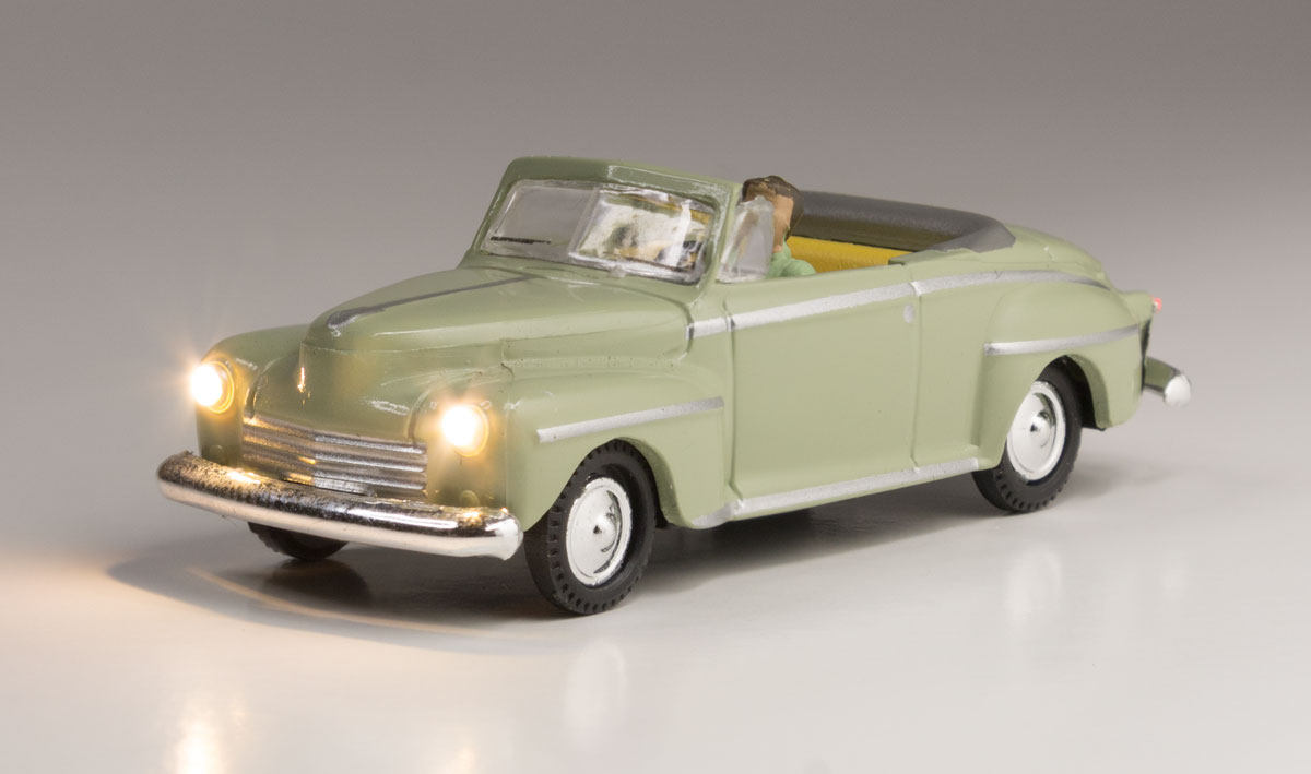 Cool Convertible - HO Scale