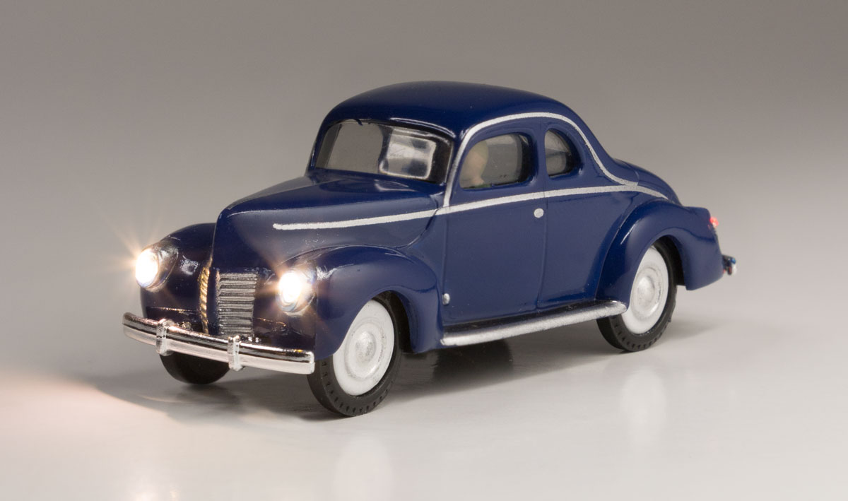 Blue Coupe - HO Scale