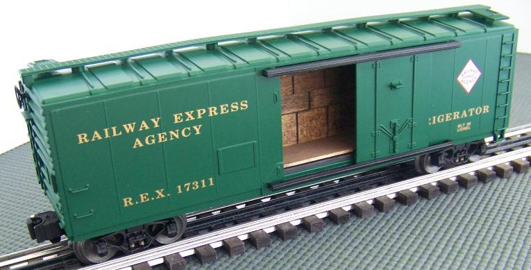 6-17311 Railway Express Agency Reefer