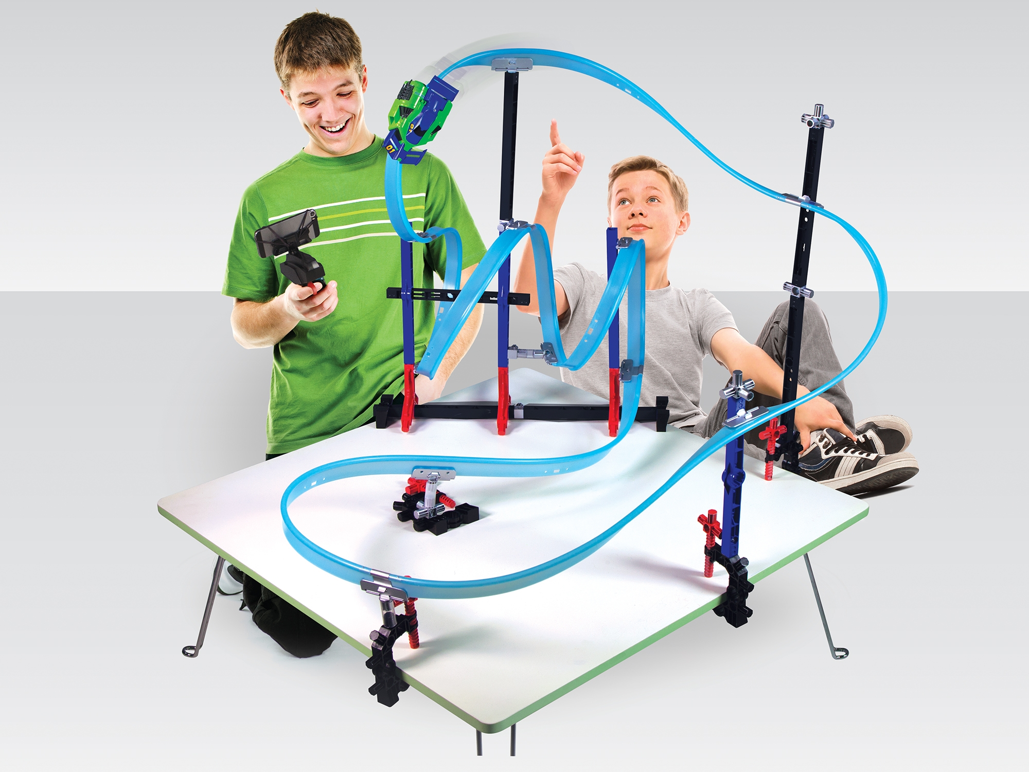 MEGA TRACKS™ CORKSCREW CHAOS™ STARTER SET - GREEN CAR