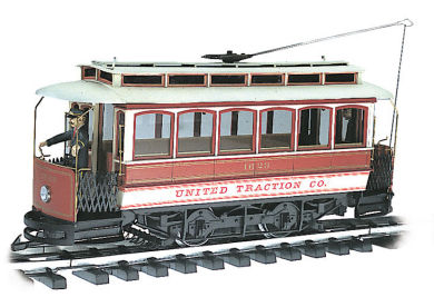 United Traction Co. - Closed Streetcar (G Scale)