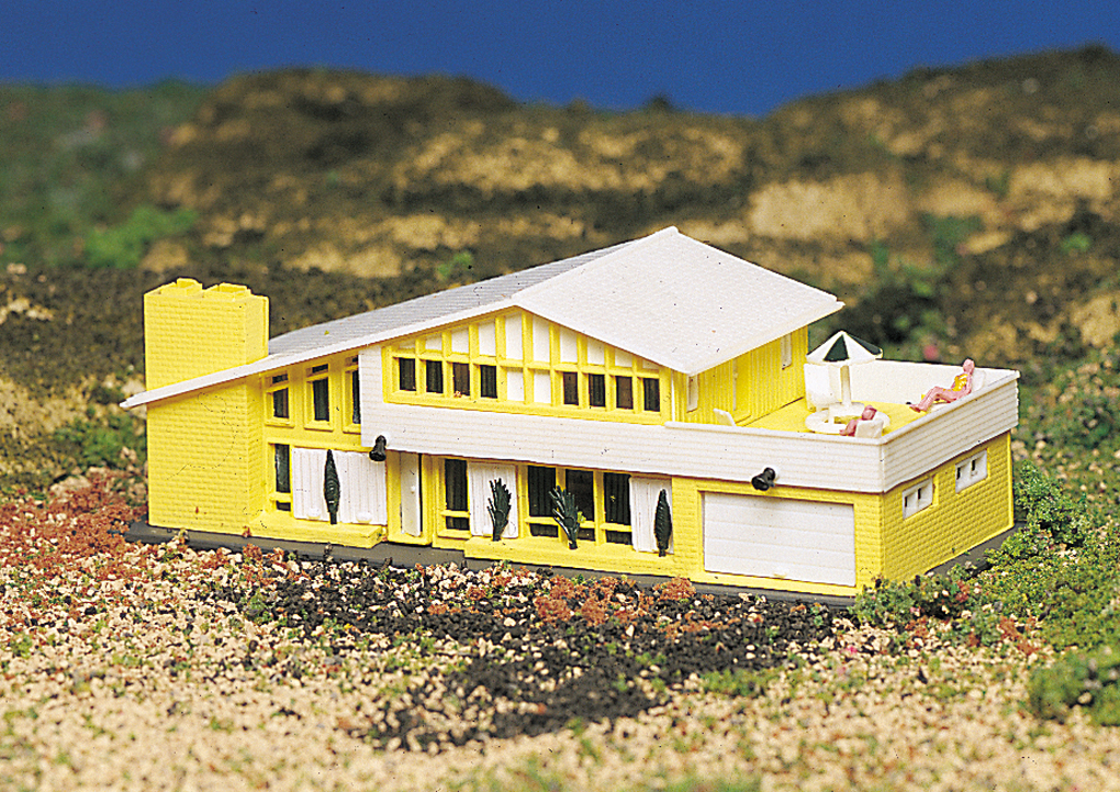 Contemporary House (N Scale)