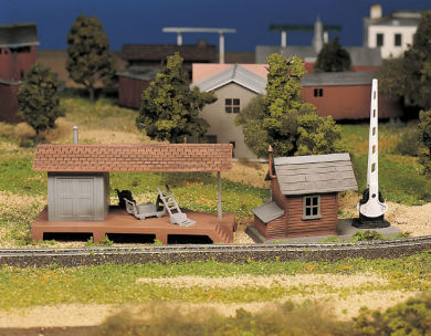 Loading Platform and Crossing Shanty (O Scale)