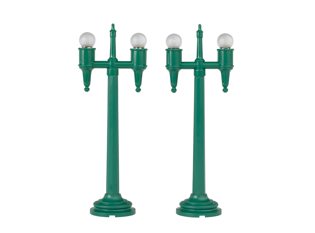 Lighted Twin Lampposts (2/Pk) (O Scale)